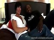 Big Stacked Milf Wanna Know Her Friends Shaft Size