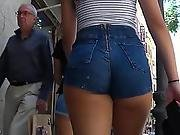 Stunning 18yo Booty In Shorts By Gluteus Divinus