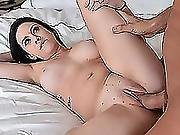 Precious Hot Chick Tiffany Jade Opens Her Sweet Pussy