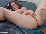 Redhead With Fuck Machine On Webcam- Pornunicorn.com