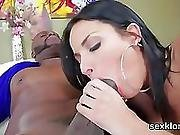 Pornstar Bombshell Gets Her Butthole Plowed With Enormous Cock
