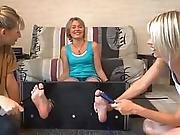 French Tickling ( Chatouille Fran�aise )