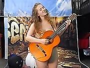 Naked Singer -