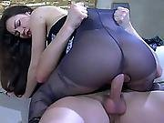 Crystal Claudius Pantyhosing On Video
