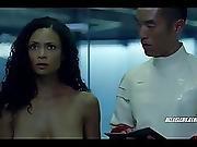 Thandie Newton And Angela Sarafyan In Westworld - S01e07