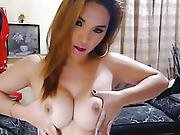 Hot Pretty Lady-boy Faps Knob