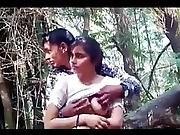 Mere Bete Pranjal Ne Apni Bahen Ki Choochi Apne Dost Se Dabvayi Jungle Me