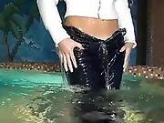 This Girl Loves Wet Jeans