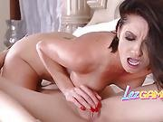 Sexy Lesbians Pleasing Each Other