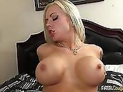 Hot Guy Having Sex With A Seductibe Girl