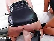 Sexy Babe Love Anal Toying Her Tight Asshole