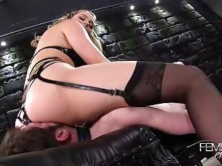 Blonde Mistress Facesitting