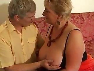 Extrémní babička porno video