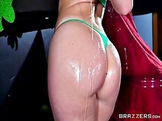 Brazzers - Sexy Milf Jessica Ryan Loves Big Cock