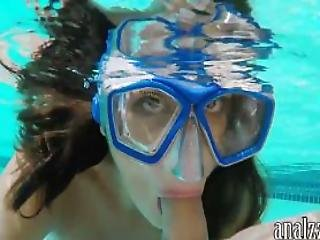 Girlfriend Underwater Blowjob And First Time Anal Outdoor