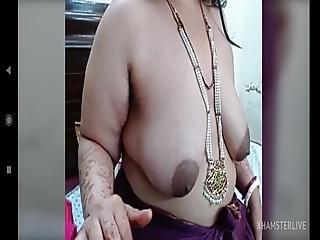 Tante indienne à gros seins bien remplie