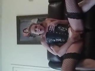 Babe With Big Ass Moans As She Gets Fucked And Fingered In Her Pretty Pussy