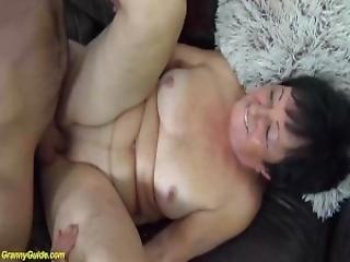 Stare filmy babci seks analny