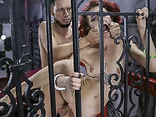 Lola Fae Got Her Pussy Penetrated Through The Bars
