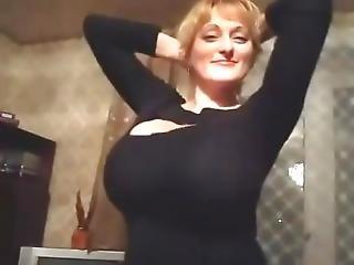 Big Huge Boobs Dancing Shaking