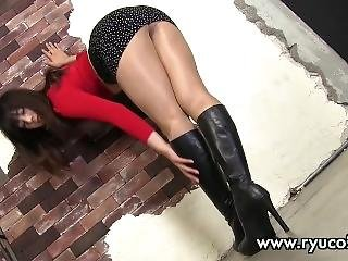 Sexy Long Legs Asian Teen In Miniskirt & Leather Boots Upskirt Panty Shots!