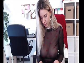 Masturbate In The Office 03