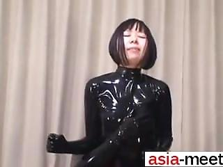 Japanese Latex Catsuit 70 - She Is From Asia-meet.com