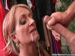 Girls gibing blow jobs