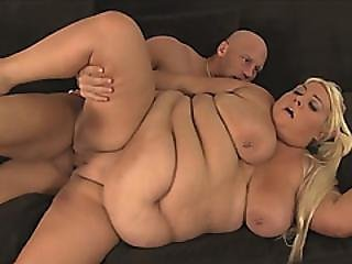 Betty Boob Blonde Girlfriend In Doggy Couch Banging With Muscled Guy