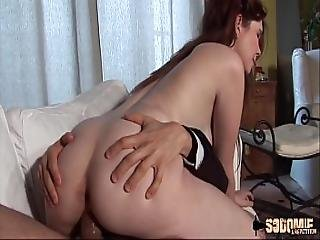 Angela Kiss The Young Maid Ass-fucked