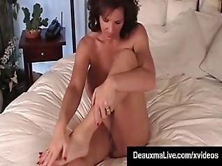 Mature Milf Deauxma Shows Off Toes Feet And Soles In Bed Nude