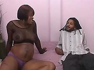 Pregnant Amateur Ebony Sucks Huge Dick And Gets Craving Pussy Satisfied