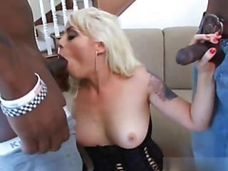 anal, duże cycki, murzynka, blondynka, obciąganie, cycek, tyłek, wytrysk, podwójne obciąganie, podwójna penetracja, twarz, międzyrasowy, bielizna, penetracja, tatuaż, trójkąt