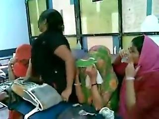 Hot Indian College Girls Dancing And Boobs Show - Xvideos