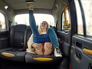 Busty Blonde Loula Lou Is Having Some Fun In The Backseat