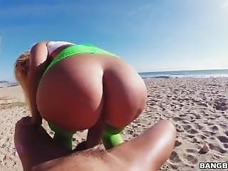 Bangbros- Assparade - Blondie Fesser- Bubble Butt Beach