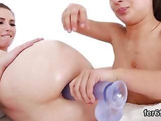 задница, отверстие задницы, приклад, butthole, сфальцованная вклейка, фаллоимитатор, групповуха, лесбиянка, секс, игрушки