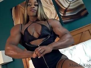 9023(ebony_muscle) Goddess