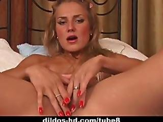 Dildo%26%238217%3Bs And Anal Beads For This Hot Blonde