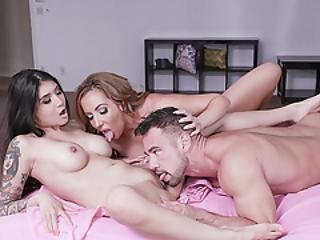 Cougar Richelle And Dauhter Crave Fo A Huge Cock