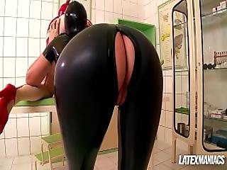 Latex Clinic Pussy Eating And Anal With Latex Lucy And Eva Parcker