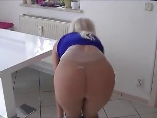 Mature In Pantyhose Sex