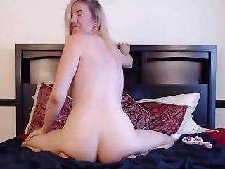 Beautiful Pale Kitty With Saggy Tits Looking To Get Frisky