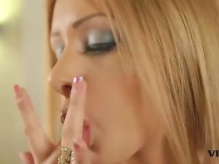 Melanie Gold Gets Her Some Bbc For Her Birthday