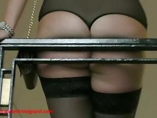 Blonde Expose Her Big Ass On The Ladder