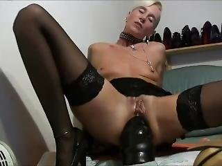 anal, anal knytnæve, sort, dildo, fisting, bedstemor, onani, matur, milf, pierced, lejetøj