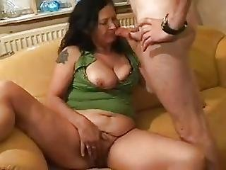 Amateur Dutch Granny Takes Anal Fist And Cum