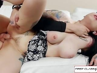 cul, bonasse, gros cul, gros téton, pipe, brunette, bite, nique, gothique, bite énorme, star du porno, pov, brusque, sexe