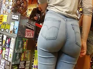 More Testicle Collapsing Pawg