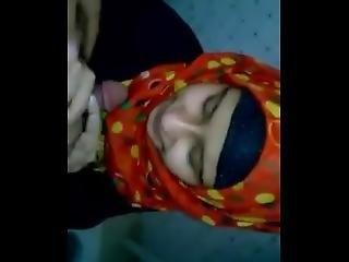 Cute Muslim Girl Sucking Bf Dick In Toilet